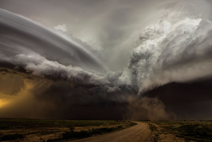 clash-of-the-storms-by-camelia-czuchnicki
