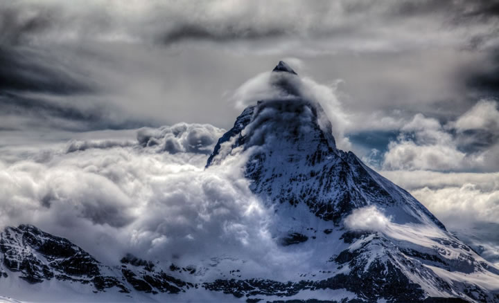 matterhorn-banner-cloud-stephen-burt-1508z-26-may-2014-by-stephen-burt