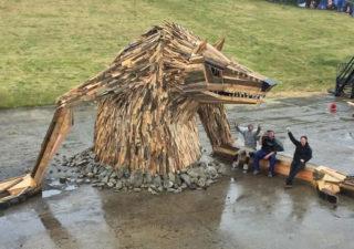 [Sculpture] Les gigantesques créations en palettes de Thomas Dambo 1