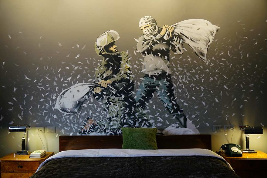 BANKSY Décore le Walled Off Hotel 9