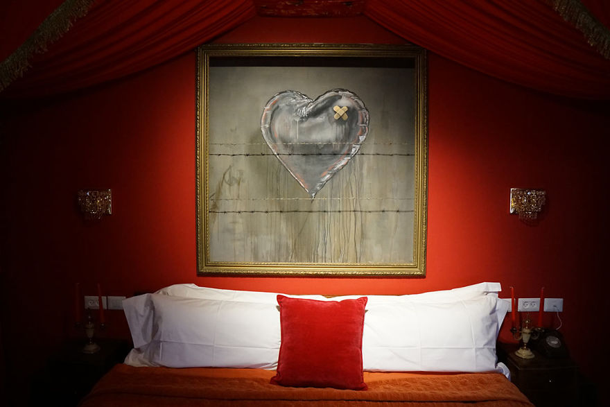 BANKSY Décore le Walled Off Hotel 5