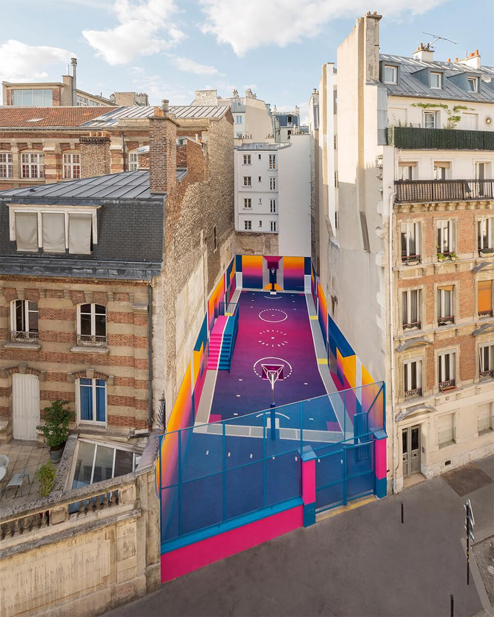 Street-art : Un terrain de Basket magnifique à Paris 10