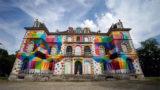 StreetArt - Une peinture géante sur le Château de La Valette de Pressigny-les-Pins 1