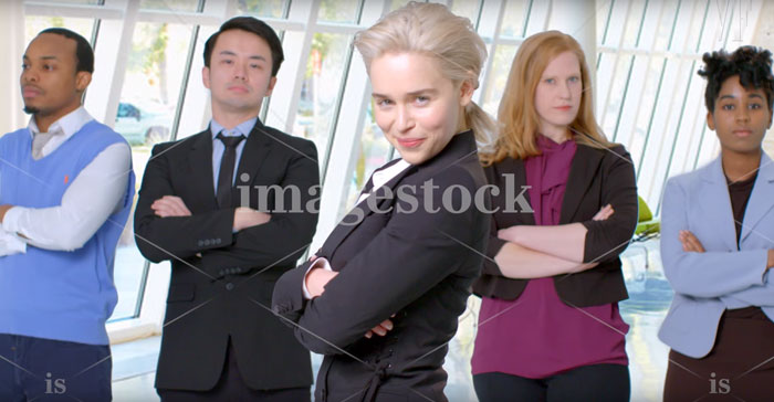[Fun] Emilia Clarke de Game of Thrones dans des Photos Stock 4