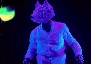 Immersion 3D d'un homme dans un univers 3D grâce à des projections 1