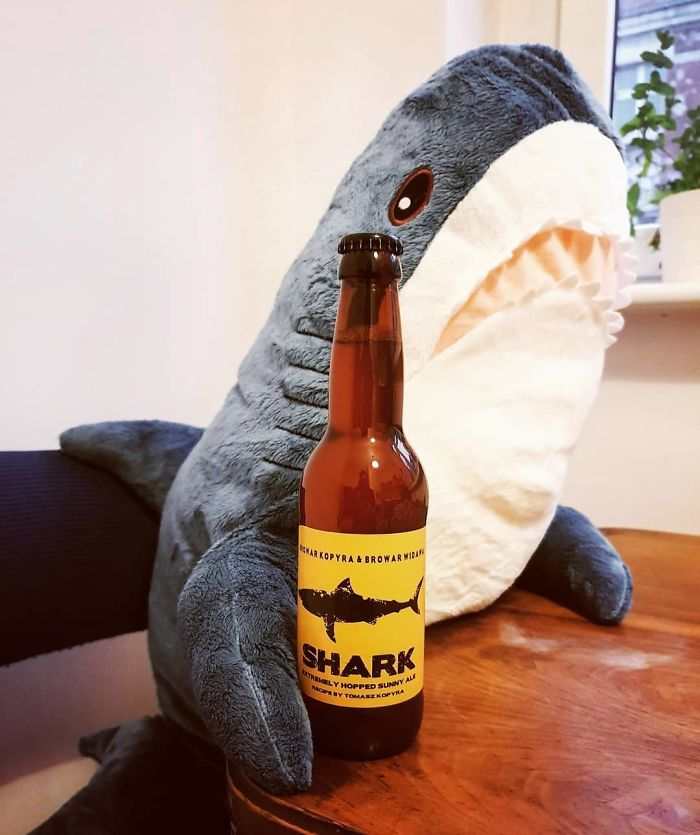 Quand la nouvelle peluche requin Ikea Blåhaj devient Viral 7