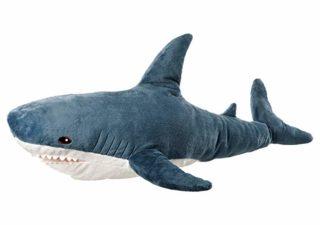 Quand la nouvelle peluche requin Ikea Blåhaj devient Viral 2