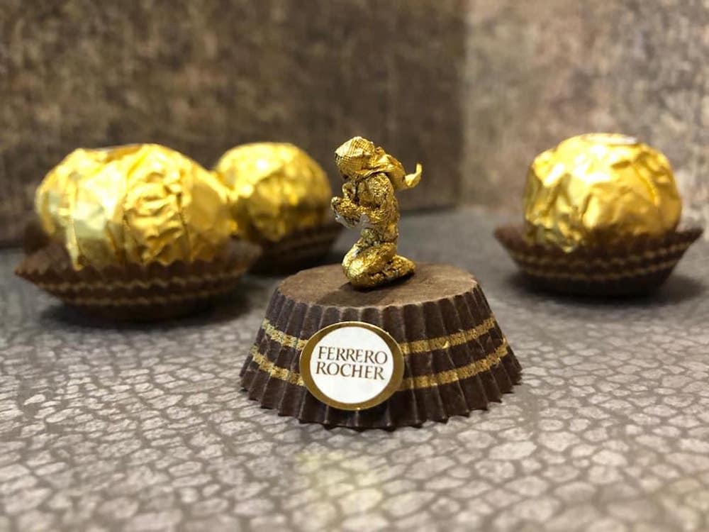 Les sculptures en Ferrero rocher par Ciro Wai 6