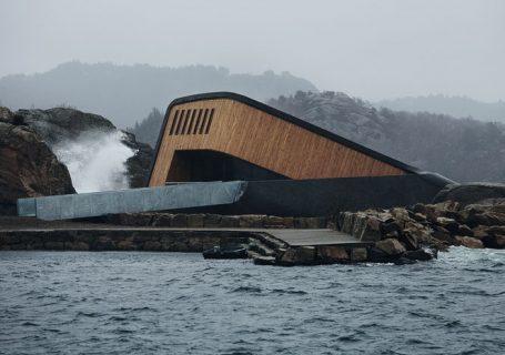 Un restaurant Design atypique et sous l'eau en Norvège 12
