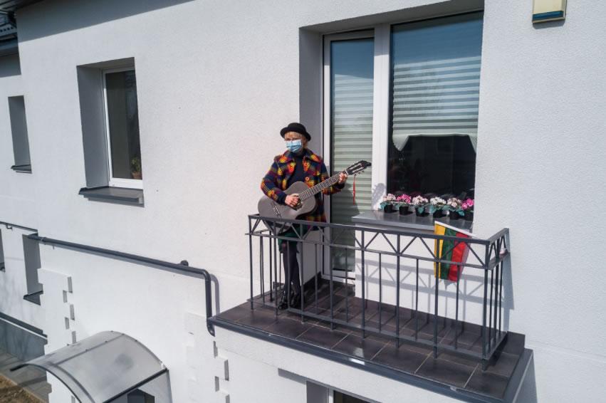 Photos funs avec un drone pendant le confinement du Covid_19 6