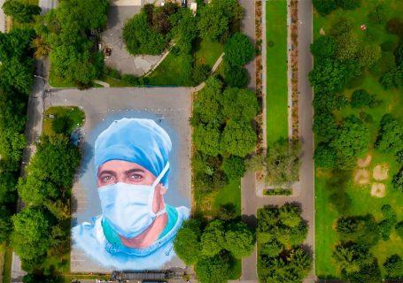 Street art en hommage aux soignants décédés du Covid