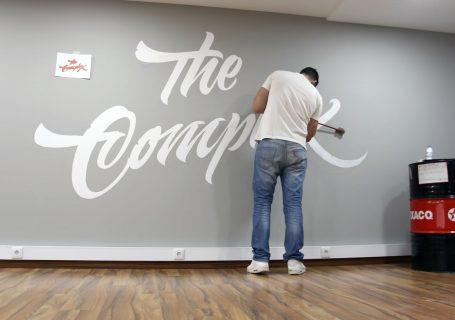 Vidéo d'un superbe Lettering Mural (Wall Painting)