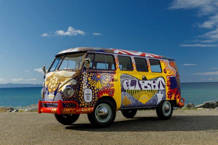Van Volkswagen de 1969 aux couleurs de Woodstock 5