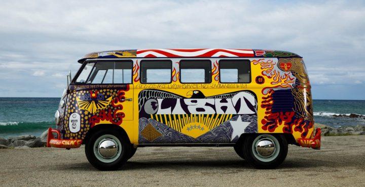 Van Volkswagen de 1969 aux couleurs de Woodstock 7