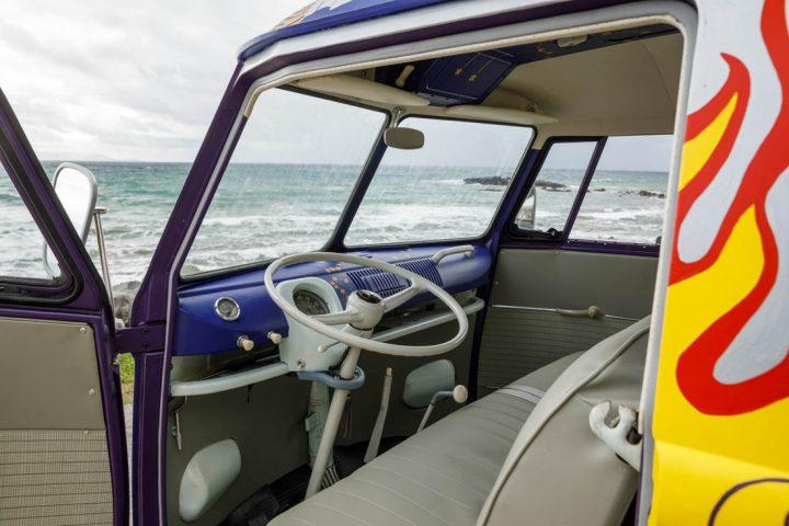 Van Volkswagen de 1969 aux couleurs de Woodstock 9