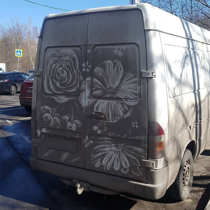 Faire de l'art avec des véhicules sales 7