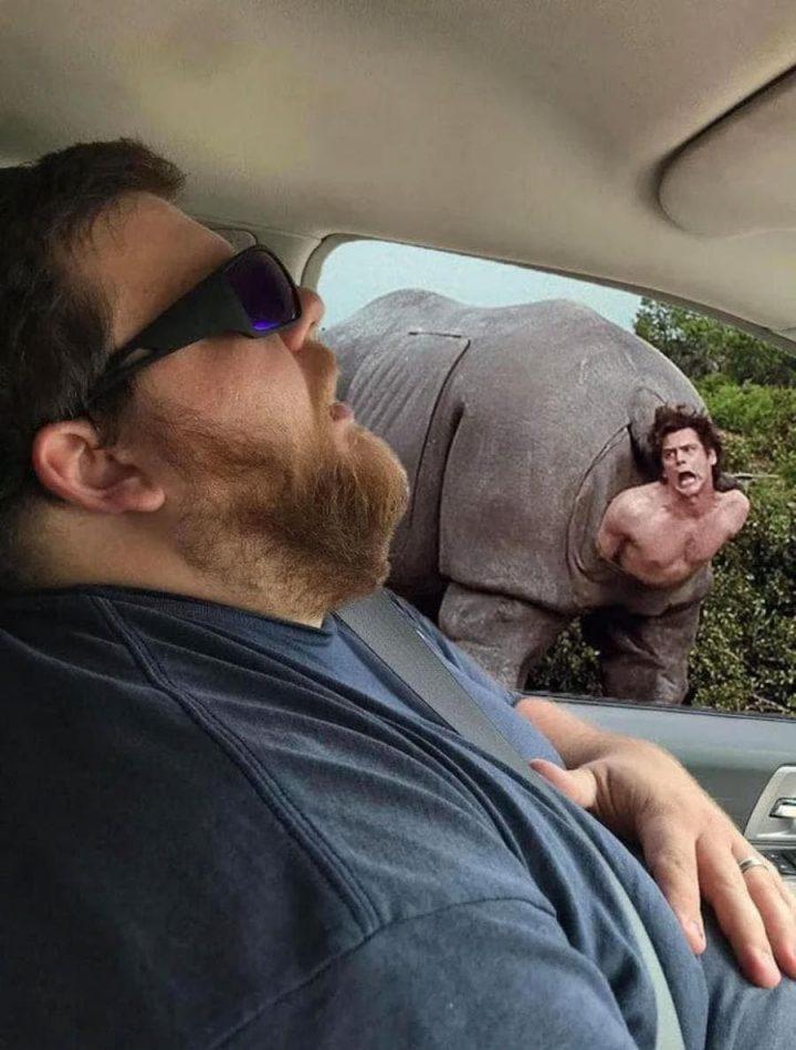 Photomontage : Quand un homme s'endort en voiture, les internautes en profitent 11